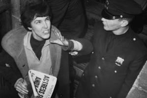 Il femminismo folle della ragazza che sparò ad Andy Warhol