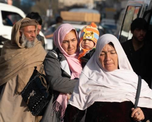 Donne afghane, vivere tutti i giorni nella guerra